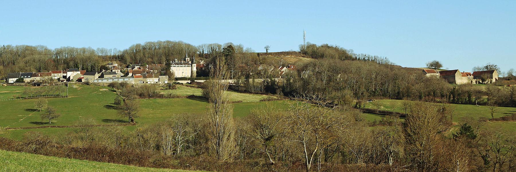 Vue d'ensemble de Tharoiseau depuis la colline de Fontette