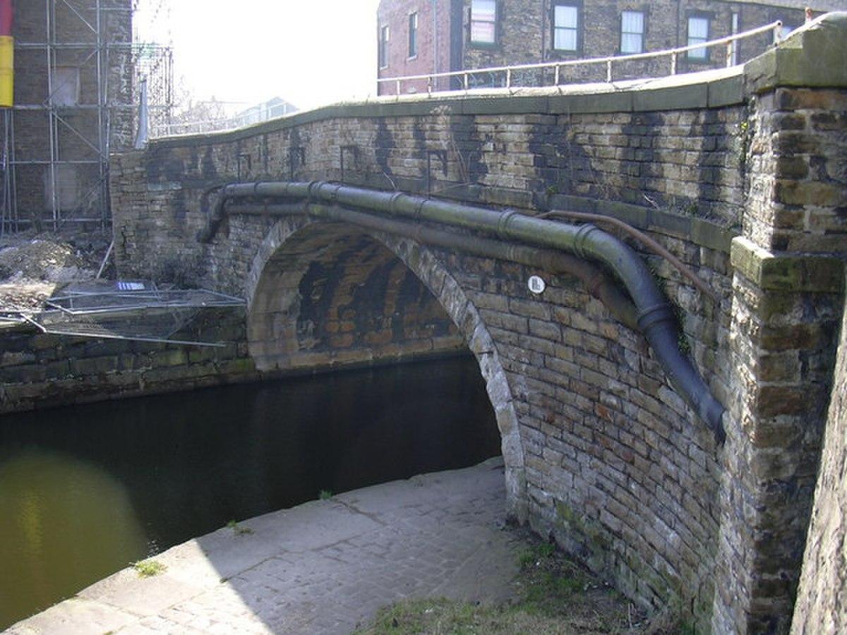 The Bridge Street Canal Bridge - geograph.org.uk - 1218999.jpg