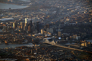 The Leonard P. Zakim Bunker Hill Bridge 2008 03 29 lax-bos 16.jpg