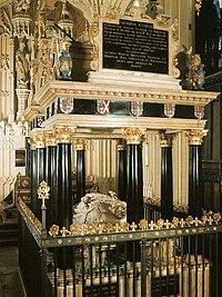Tomb of Queen Elizabeth I.jpg