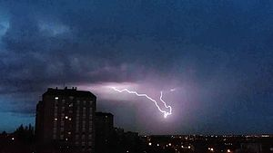 Файл:Tormenta 11-oct-2014 Madrid.ogv