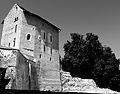 Tour de l'évêque avec amphithéâtre et Musée romain à Avenches quin.jpg