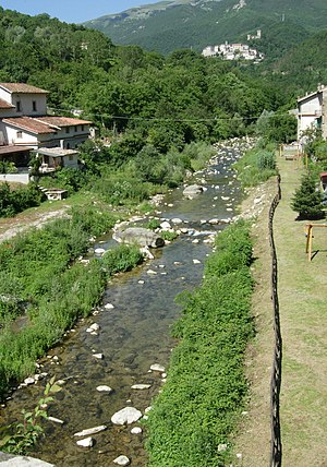 Tronto - The river at Trisungo; in the background Arquata del Tronto.