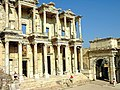 Turkey 2798B - Celsus Library - Ephesus (5842491206) (2).jpg
