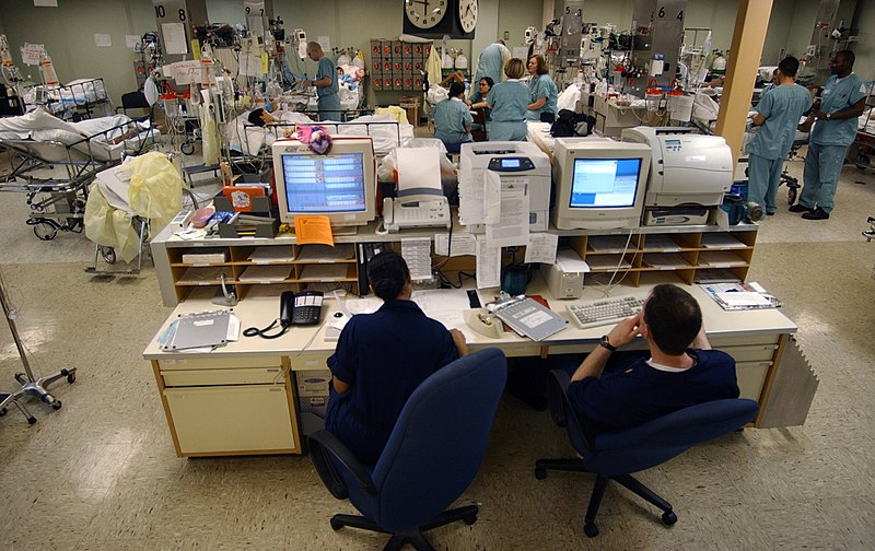 File:US Navy 030423-N-6967M-090 A central computer system monitors the heart rates of each patient in the Intensive Care Unit (ICU) to ensure a quick.jpg