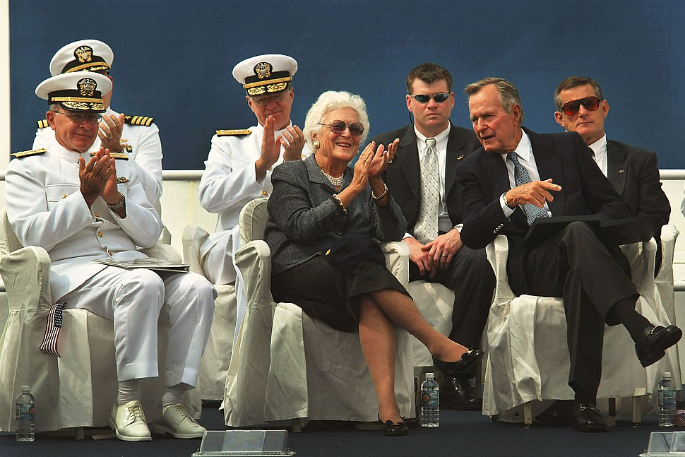 US Navy 030906-N-2383B-018 President George H.W. Bush and former First Lady Barbara Bush seated with Adm. Vern Clark during the keel laying ceremony for George H.W. Buch CVN 77