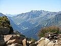 Uitzicht vanaf HochJoch richting St. Gallenkirch.jpg