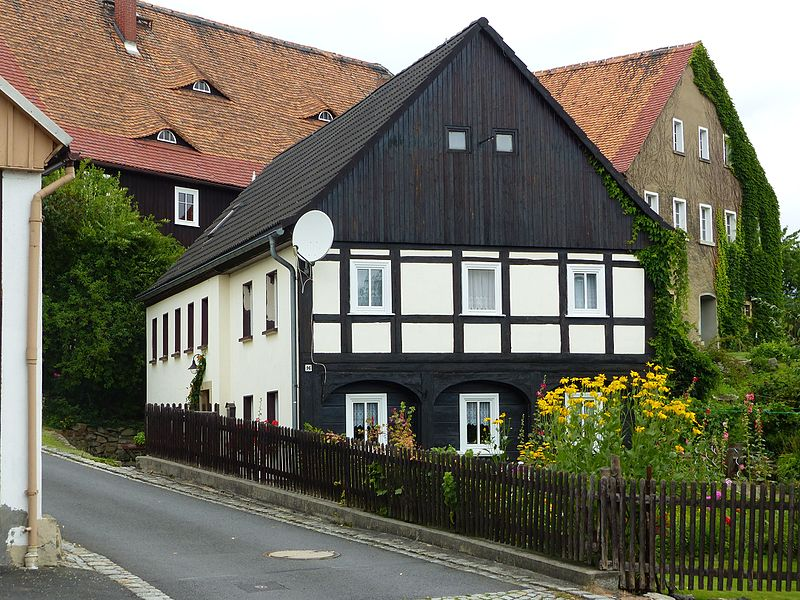 File:Umgebinde Hauptstraße 96 Bertsdorf.jpg