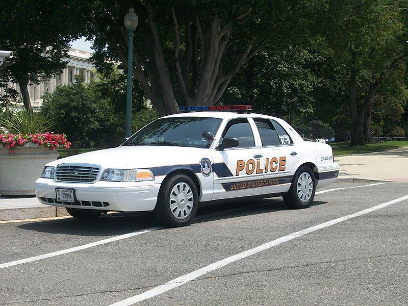 800px-United_States_Capitol_Police_Washington_D.C._2011_-_2.JPG