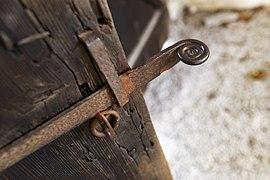 Väskinde kyrka Go dörrhandtag stiglucka.jpg