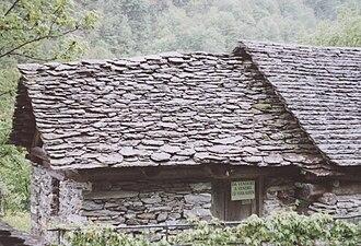 Lavizzara - Dry stone house in Val Lavizzara