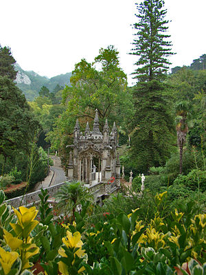 Quinta da Regaleira - Luxuriant vegetation next to the lower gate.