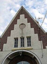 Vendelles mairie (fronton) 1.jpg