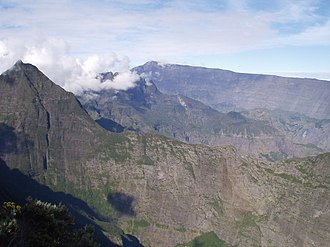 Réunion National Park - Image: View on Mafate