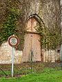 Villemoutiers-FR-45-portail de l'abbaye-01.jpg
