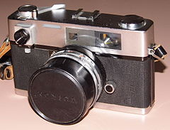 Vintage Konica Auto S 35mm Rangefinder Camera, Made In Japan, Circa 1963 (13511076824).jpg