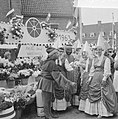 Wageningen 700 jaar stadsrechten, op het oude marktplein vinden de bezoekers de , Bestanddeelnr 915-2548.jpg