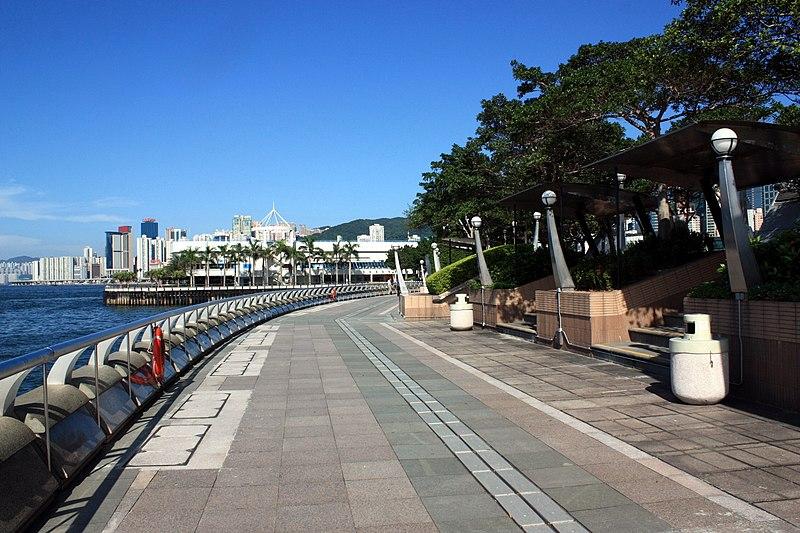 File:Wan Chai Temporary Promenade 2009.jpg