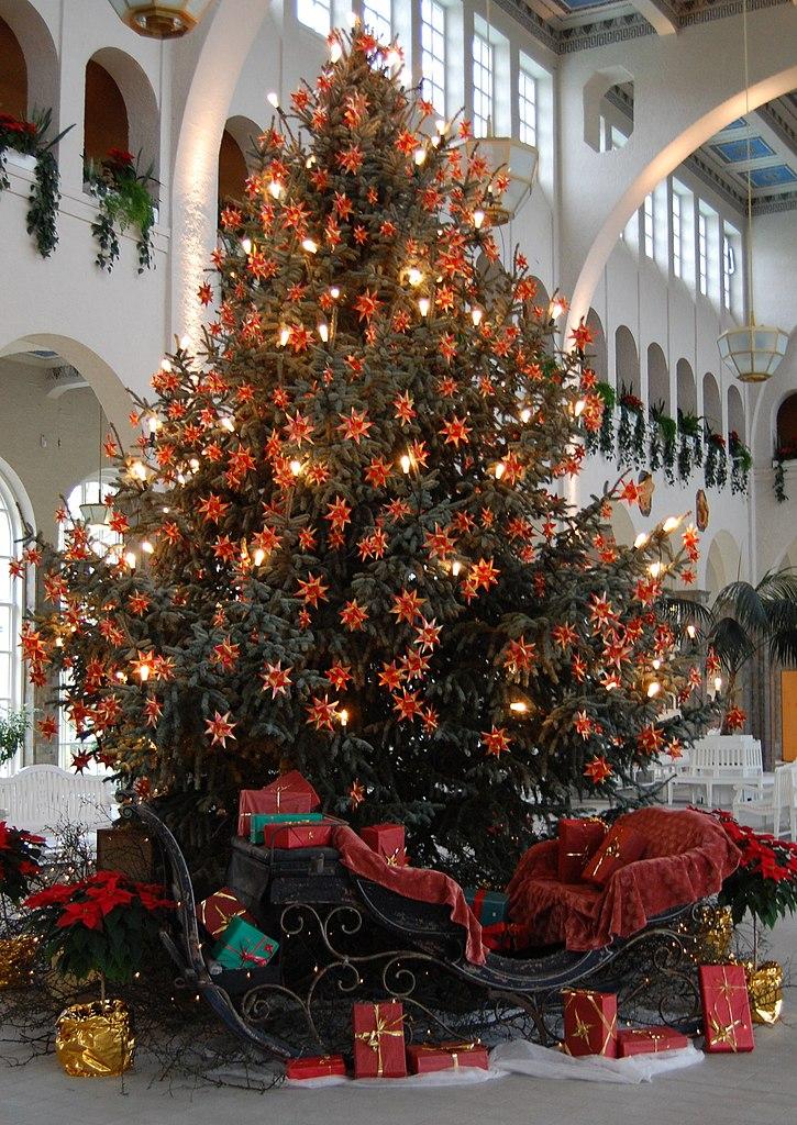 fileweihnachtsbaum bad kissingenjpg - Brown Christmas Tree