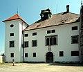 Welzenegg Westseite mit Portal 01.jpg