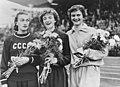 Winnaressen dames 200m Puck Brouwer, Bestanddeelnr 905-2385.jpg