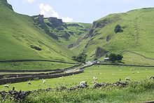 Winnats Pass, Castleton.jpg