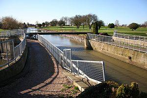 Witham Navigable Drains - Cowbridge Aqueduct carries the Stonebridge Drain over the Cowbridge Drain