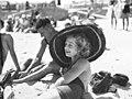 Woman in sun-hat, Bondi Beach (31668995355).jpg