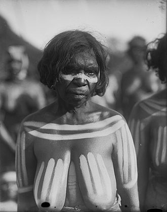 Herbert Basedow - Woman painted with pipe-clay 1923. Photographer: Herbert Basedow