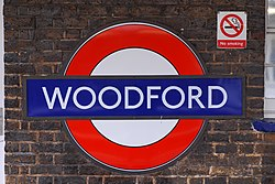 Woodford (89809056).jpg