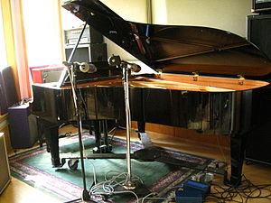 Recording a grand piano in the studio