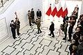 Złożenie wieńców przez brata prezydenta Jarosława Kaczyńskiego, prezydenta Andrzeja Dudę i delegacje.jpg
