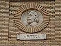 Zaragoza - Antigua Facultad de Medicina - Medallón - Artiga.jpg