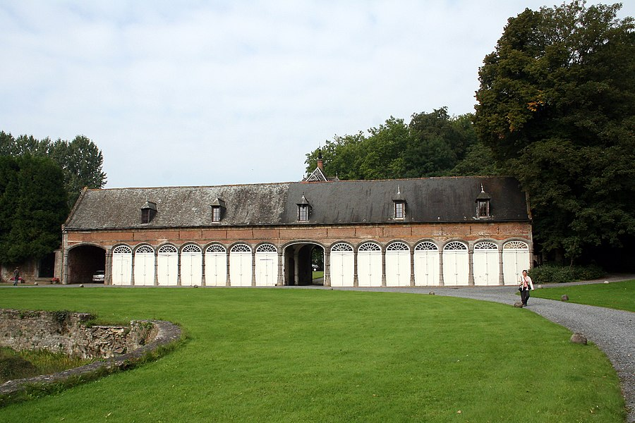 Écaussinnes-d'Enghien  (Belgium), garage and former coachhouse of the « la Follie » castle.