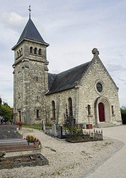 St-Eupraise-et-Clariset, son église entourée de son cimetière.