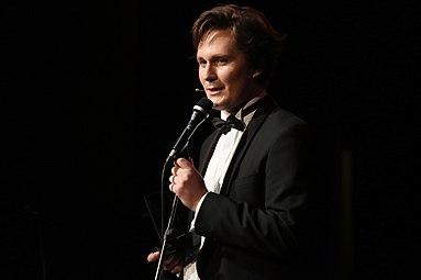 Österreichischer Kabarettpreis 2012 13 Hosea Ratschiller.jpg