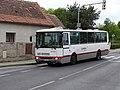 Šeberov, K Hrnčířům 34, autobus 165, Karosa B 932.jpg