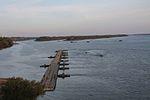 Інженерні підрозділи навели на Дніпрі під Херсоном понтонно-мостову переправу (30431912206).jpg
