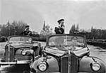 Герой Советского Союза генерал-полковник А. Х. Бабаджанян в Одессе. Кадр 4.jpg