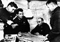 Командный пункт 62-й армии начальник штаба Н.И. Крылов, В.И. Чуйков, К.А. Гуров, А.И. Родимцев. Декабрь 1942 г.jpg
