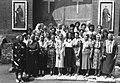 Храм Живоначальной Троицы - 1994 год. Прихожане на День Святой Троицы.jpg