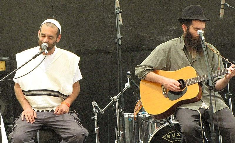 האחים שחר ואהוד אריאל. צילום: וויקישיתוף - יונתן חברוני