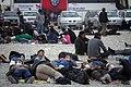 خستگی مردم (زائرین) در پیاده روی اربعین- مرز مهران- ایران 10.jpg
