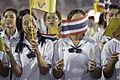 นายกรัฐมนตรี กล่าวขอบคุณประชาชนทุกจังหวัดและร่วมร้องเพ - Flickr - Abhisit Vejjajiva (13).jpg