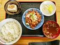モツ定食(アタミ食堂).jpg