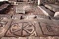 0031מגדלא רהיט אבן ופסיפס בבית הכנסת כנראה שימש להנחת ספר תורה.jpg