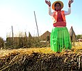 029 People Uros Islands of Reeds Lake Titicaca Peru 3082 (14995352348).jpg