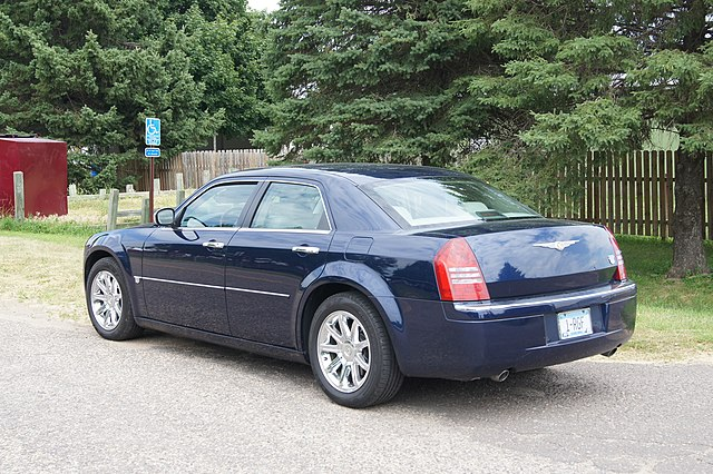 05 Chrysler 300 C (9343532187)