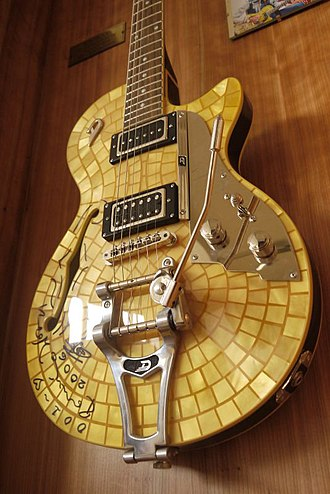 Duesenberg Guitars - Starplayer TV Ron Wood