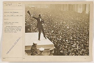 Four Minute Men - Douglas Fairbanks delivering a speech in support of the 3rd Liberty Loan